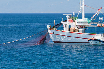 Net fishing boat