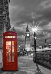 Photo sur Plexiglas Londres Rote Telefonzelle vor dem Big Ben in London bei Nacht