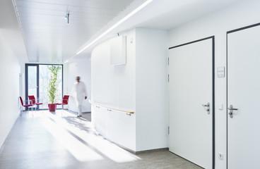Flur Krankenhaus Station leer Arzt
