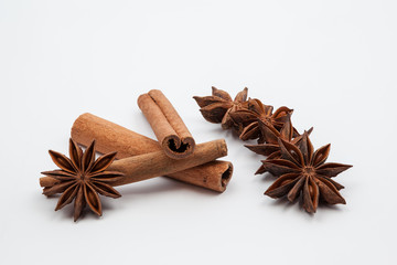 Anise star and cardamom