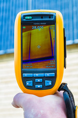 Thermal imaging inspection of solar panels on the wall