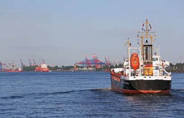 Tanker in Hamburg
