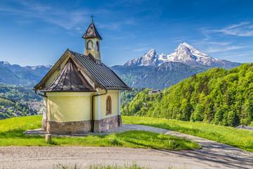 Fototapete - Lockstein Chapel with Watzmann in Berchtesgaden, Bavaria, Germany