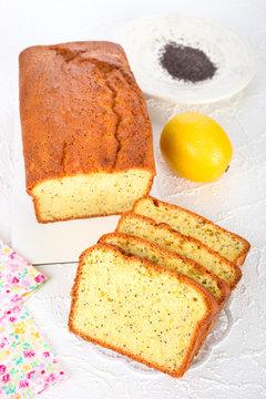 Zitronen- Mohn- Kuchen