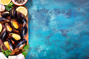 mussels with parsley and lemon