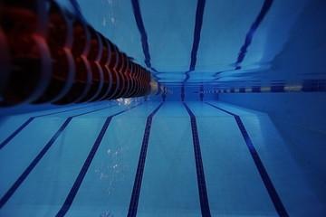 pool underwater photo