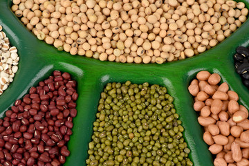 Job's tears, Soy beans, Red beans, Peanut, pine nut and green beans with the health benefits of whole grains.