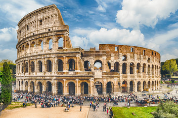 Fotomurales - View over the Flavian Amphitheatre, aka Colosseum in Rome, Italy