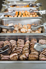 Schweinefleisch am Buffet