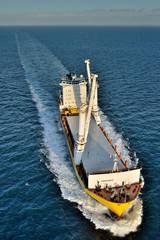 cargo en mer