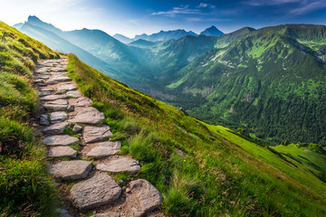 Deurstickers Bergen Footpath in the Tatras Mountains at sunrise, Poland