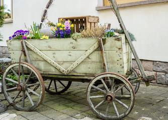 Alter Handwagen Deko