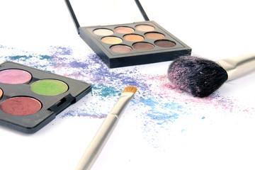 Kosmetik und Farben