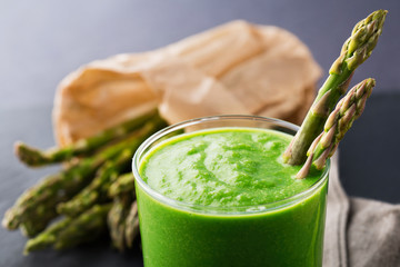 Green smoothie with asparagus