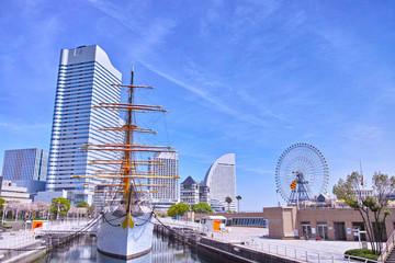 みなとみらい大通りのビューポイントから見た横浜の風景