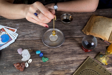 Foretelling the future with pendulum