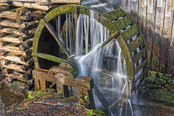 Fotobehang Molens Grist Mill Water Wheel In Cades Cove
