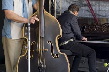 Kontrabass und Piano