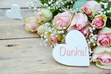 Rosenstrauß - Herz mit Text - Danke -