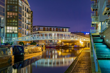Wall Murals Channel Amazing view of the canals in Birmingham