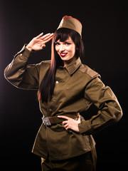 Студийные фото девушки в военной форме