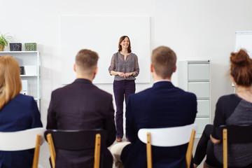 junge geschäftsleute in einem seminar
