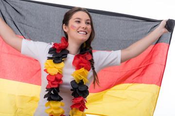 frau jubelt begeistert für deutschland