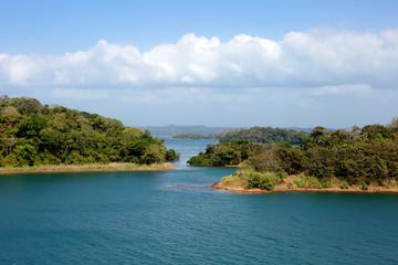 Берега Панамского канала