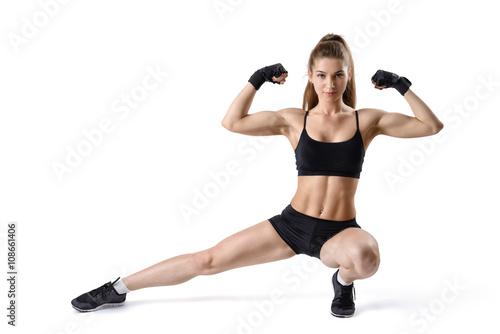 Muscle girl flexing com