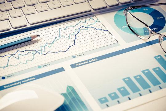 Preparing average sales report
