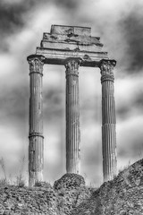 Fototapete - Ruins at Temple of Castor & Pollux in Roman Forum