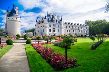 Fotorolgordijn Kasteel Chenonceau castle is one of the most famous castles of the loire valley in France.