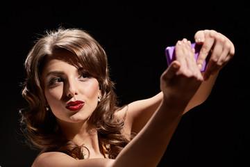 kiss lady selfie