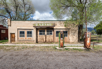 Abandoned roadside service garage, rural Utah,USA
