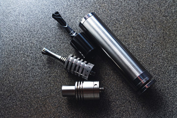 18650 battery form factor.E-cigarette mechanical mod and RDA rebuildable drip