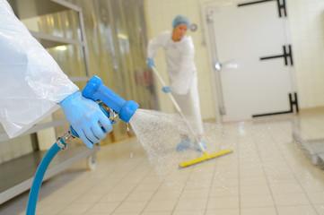 Obraz cleaning up the workplace - fototapety do salonu