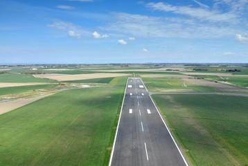 vue du ciel (piste d'atterrissage)
