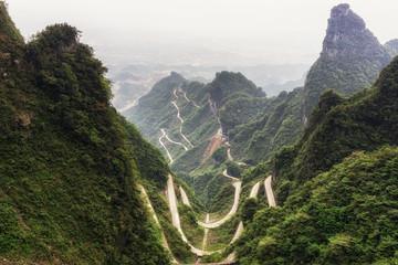 tianmen mountain winding road