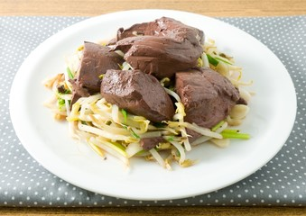Stir Fried Bean Sprouts with Pork Blood Pudding
