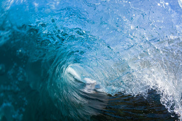 Foto auf Acrylglas Wasser Wave Inside blue crashing ocean water tube