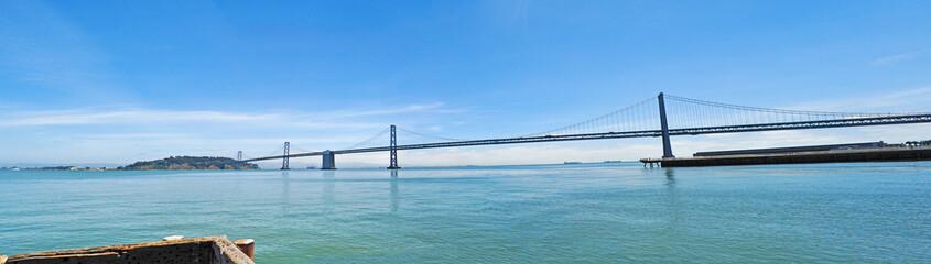 San Francisco: panoramica del Bay Bridge il 7 giugno 2010. Il ponte San Francisco-Oakland Bay Bridge fu inaugurato il 12 novembre 1936, sei mesi prima del Goldan Gate Bridge