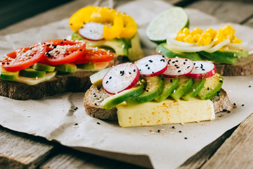 Healthy avocado sandwiches