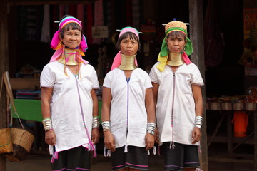 Traditionelle Padaung Frauen aus Myanmar