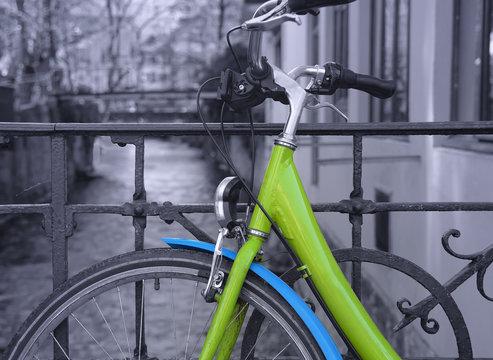balade en vélo à Annecy dans les alpes