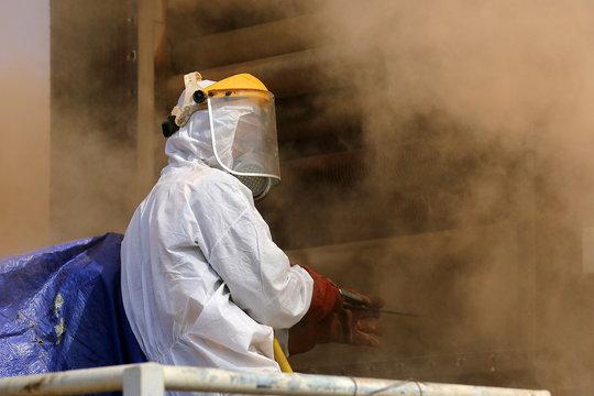 ouvrier entretien nettoyage industriel