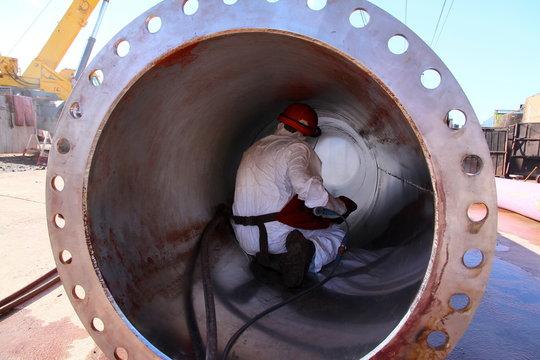 maintenance et décapage tuyauterie de grand diamètre