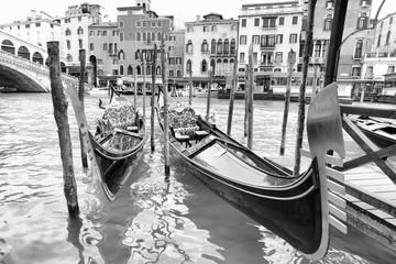 Gondolas near Realto bridge