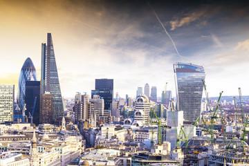 Photo sur Plexiglas Londres London sunset, view on business modern district