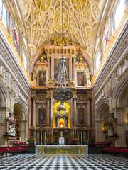 Hochaltar der Mezquita, Mezquita-Catedral de Córdoba oder Kathedrale der Empfängnis unserer Lieben Frau, Innenansicht, Córdoba, Provinz Cordoba, Andalusien, Spanien, Europa