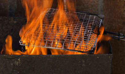 Annealing grille grilling on an open fire